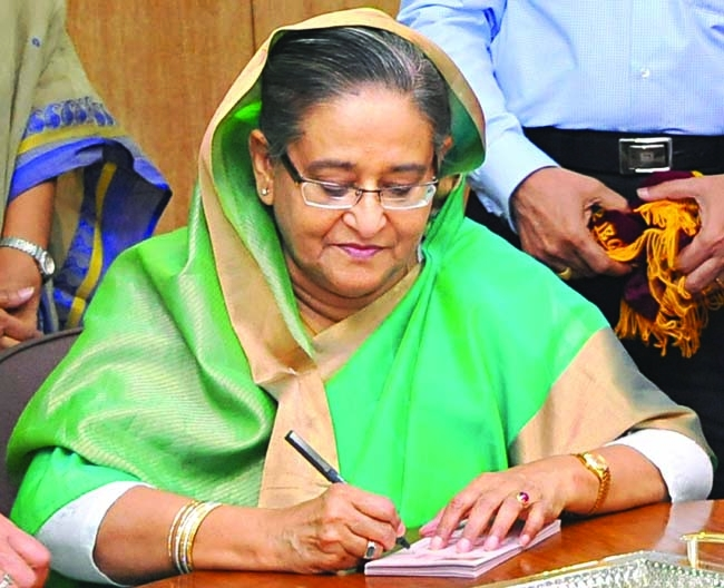 Prime Minister clears urgent files from USA