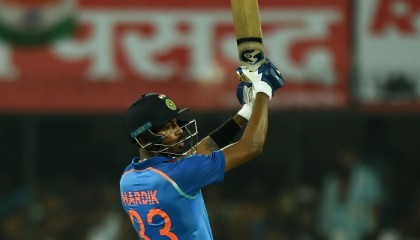 Pandya fifty helps India clinch ODI series
