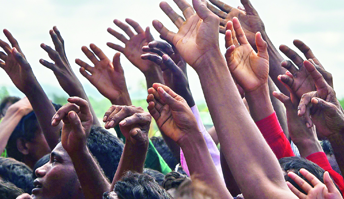 Refugees need  'massive' aid