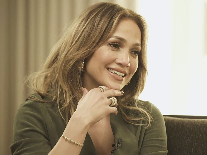 Jennifer Lopez donates $1m to hurricane-hit Puerto Rico
