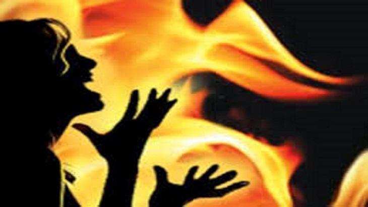 Ex-boyfriend burns Indian woman to death