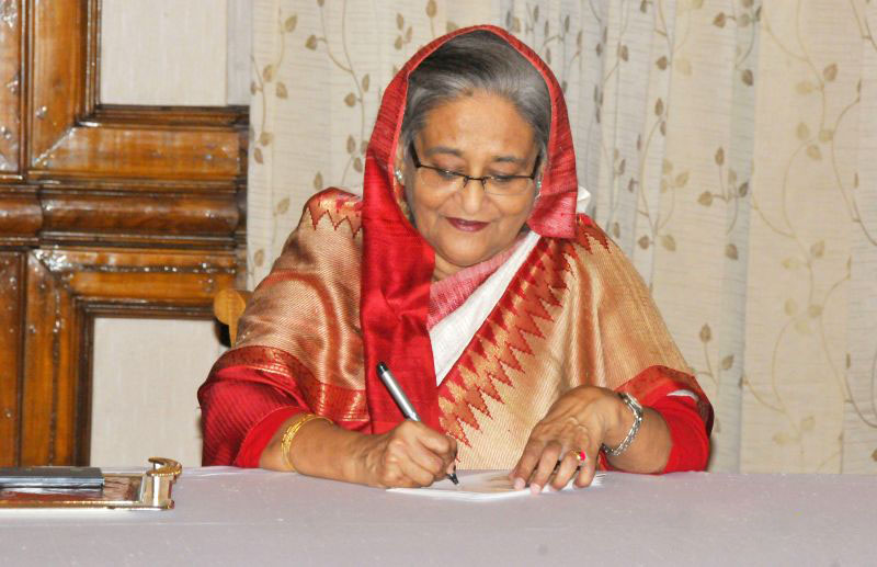 Prime Minister keeps round-the-clock contact with her office from USA