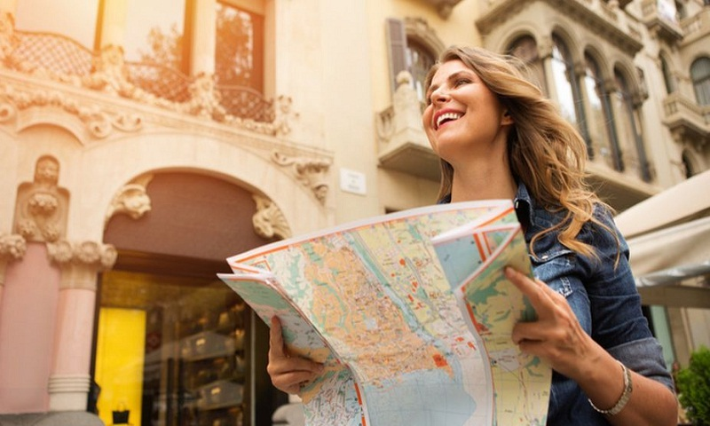 10 Travel tips for woman solo travelers during puja time