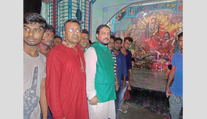 NUBTK VC visits worship pandals in Satkhira