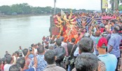 Hindu community people immerse the idol of Goddess Durga