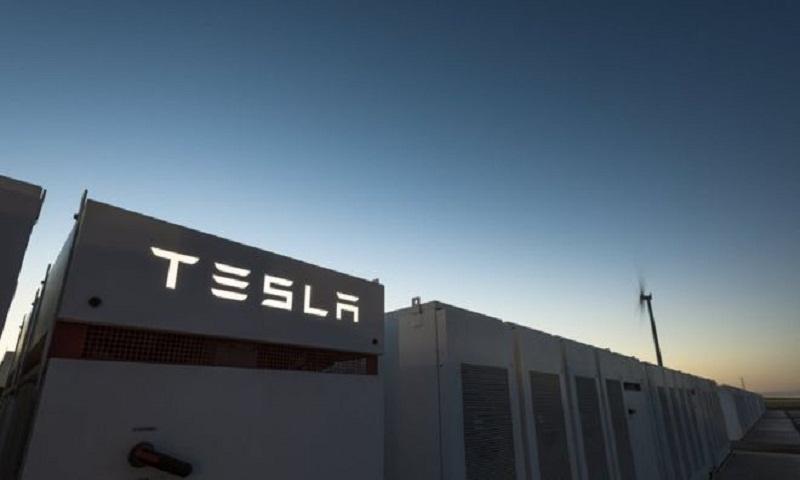 Tesla: World's biggest battery half-built