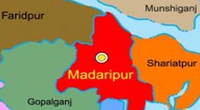 Two killed as bus hits auto-rickshaw in Madaripur