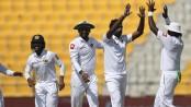 Pakistan collapse dramatically as Rangana Herath spins Sri Lanka to 21-run win in 1st Test
