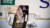 Saudi king's special 'gold escalator' malfunctions during trip to Russia (Video)