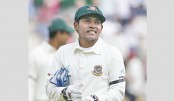 Mushfiqur taken to hospital after blow to head
