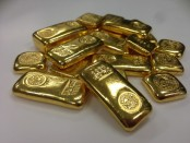 One held with 10 gold bars at Benapole