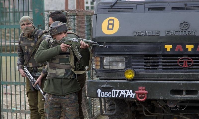 4 rebels, Indian soldier killed in fighting in Kashmir
