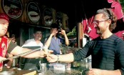 Aamir Khan gets tricked by ice cream vendor