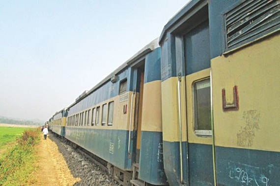 Train services of Dhaka with 3 dists resume