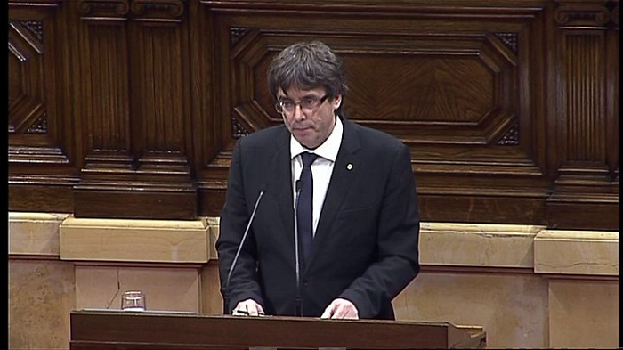 Catalan leader Puigdemont seeks independence talks