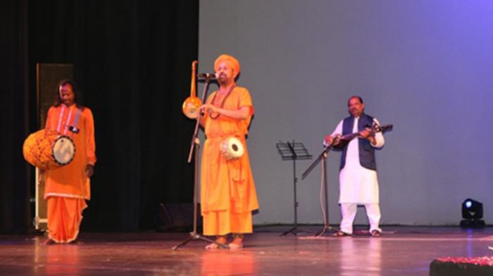 Kiran Roy enthralls Indian audience