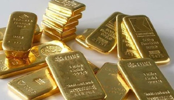 Biman staff held with gold at Dhaka airport