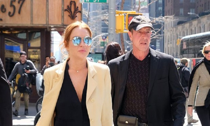 Lindsay Lohan's father defends her after supporting Harvey Weinstein amid sexual abuse claims