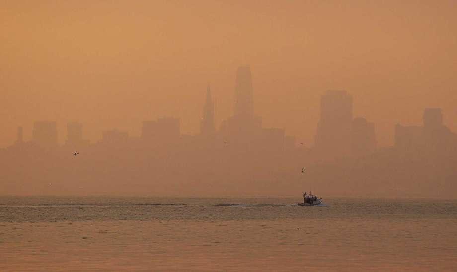 Choking smoke over San Francisco leads to 15 percent flight delays, schools closed