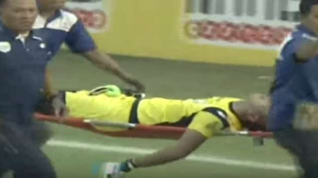 Indonesian goalkeeper dies after mid-game collision