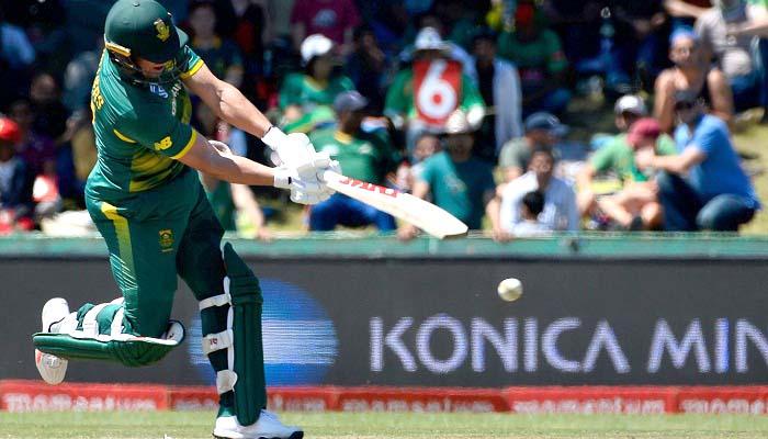 Bangladesh loses Tamim, Liton chasing 354