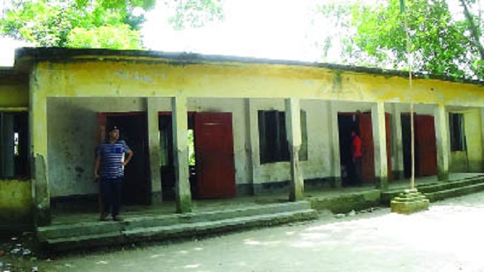 No head teachers at 249 govt pry schools in Shariatpur