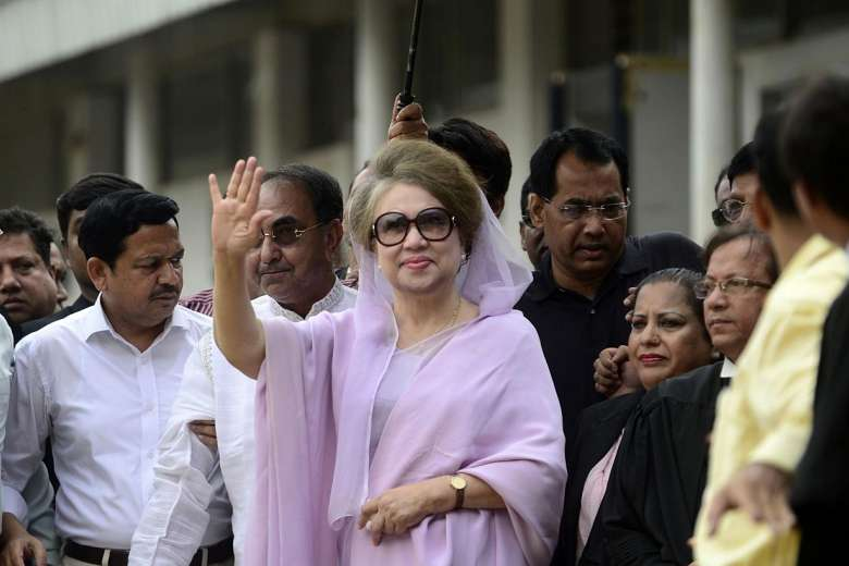 Khaleda in court for hearing on two graft cases