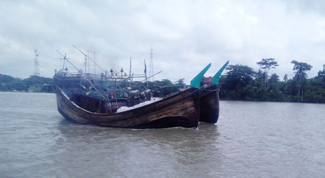 Preparations afoot to net Hilsa as ban ends Monday