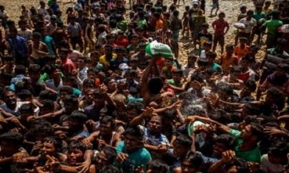 'Rohingya issue must be dealt with as international problem'