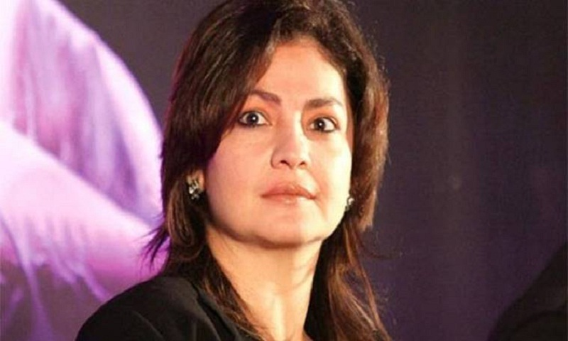 Pooja Bhatt to pen her battle with bottle in book