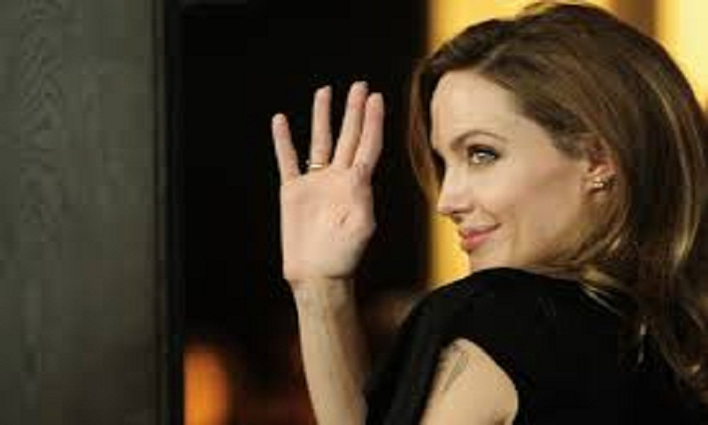 Should Angelina Jolie be concerned about bulging veins in arms and legs? Surgeon speaks