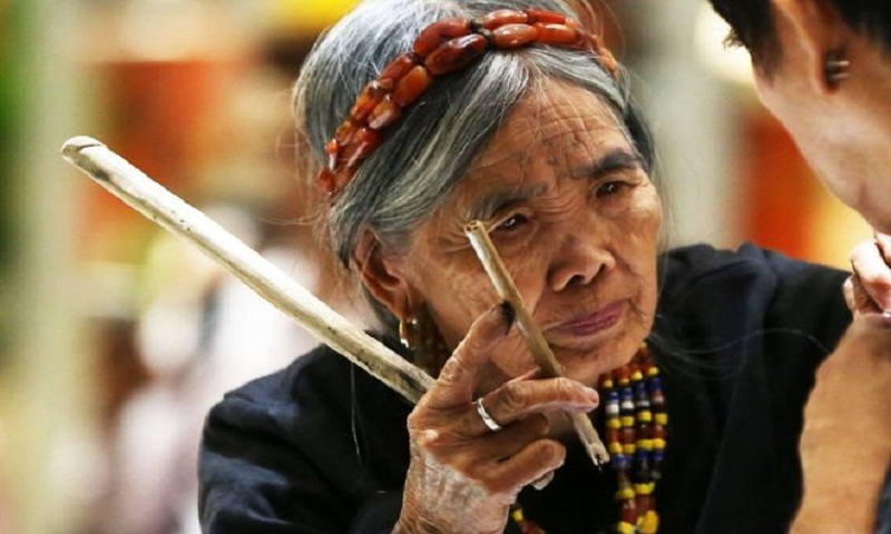 Anger over 100-year-old tattooist at trade show