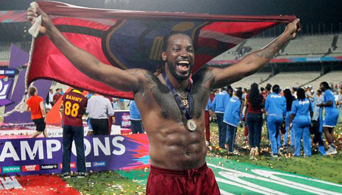 Masseuse cried after Gayle 'exposed himself'