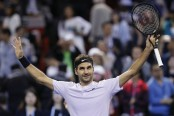 Federer beats del Potro in hometown Swiss Indoors final