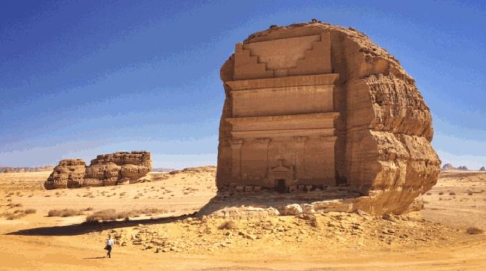 Saudi Arabia to begin issuing tourist visas
