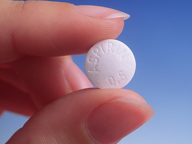 Daily aspirin use may cut digestive cancer risk