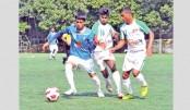 Players of Kawranbazar Pragati Sangha and T&T Club