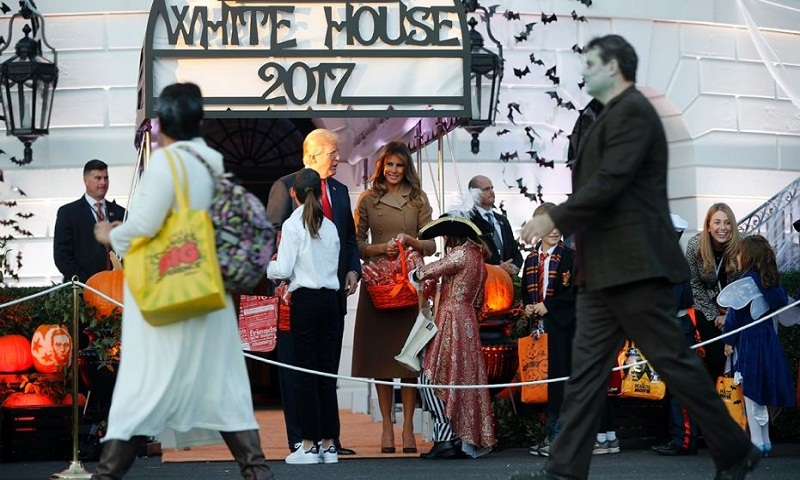 President Trump, first lady meet mini-Melania trick-or-treater