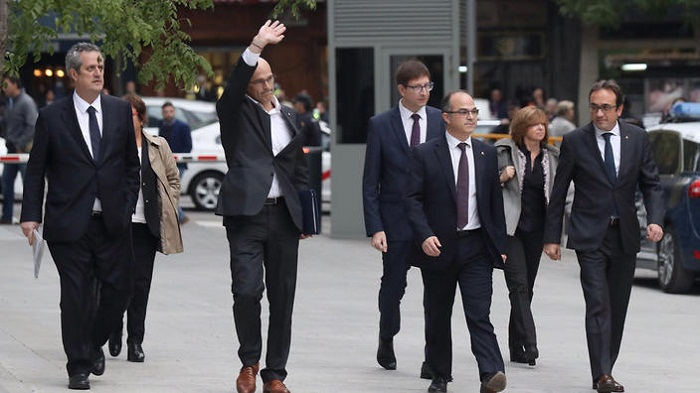 Catalan ex-ministers face jail over secession bid