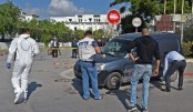 Tunisian policeman dies after knife attack outside parliament