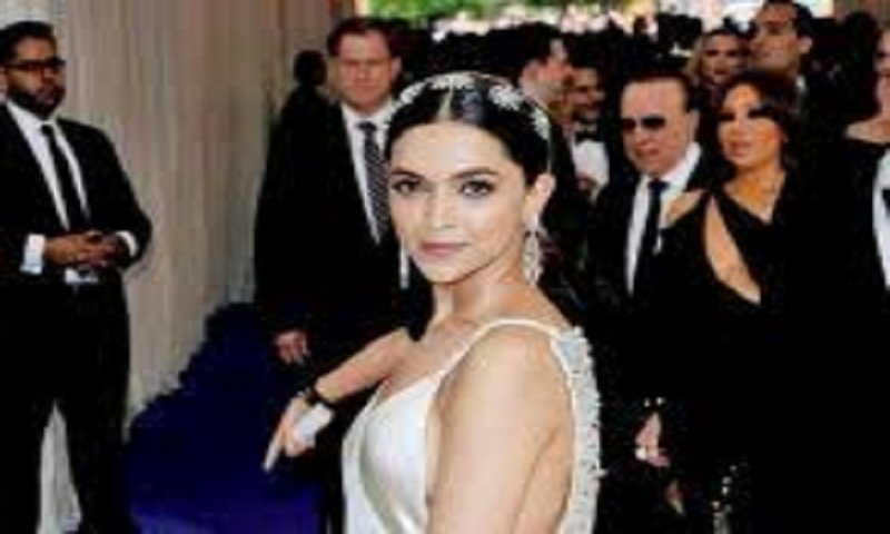 Deepika Padukone throws a big bash to celebrate 'Padmavati's trailer success