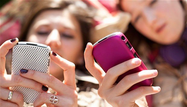 Smartphone use disrupts sleep in kids, teens: Study