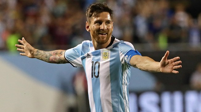 Argentine football star Messi reaches Moscow for friendly match with Russia