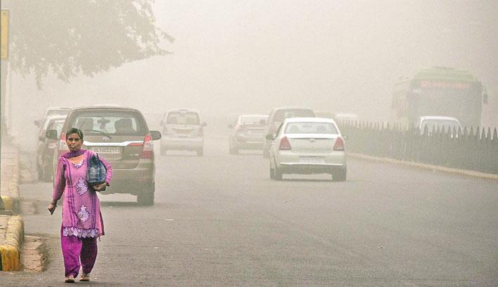 Smog blankets New Delhi