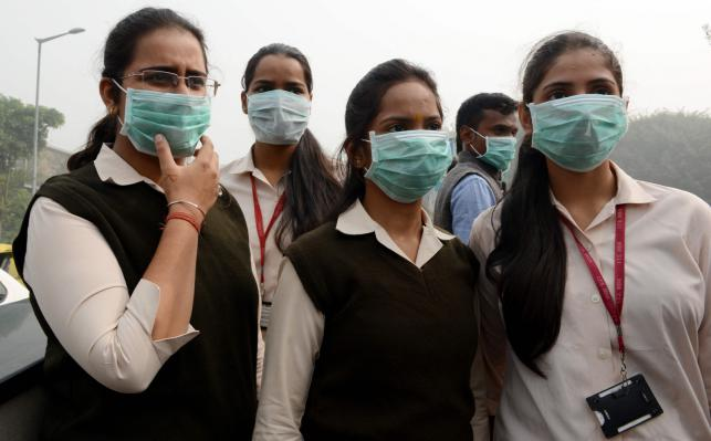 India, Pakistan schools close as smog envelopes