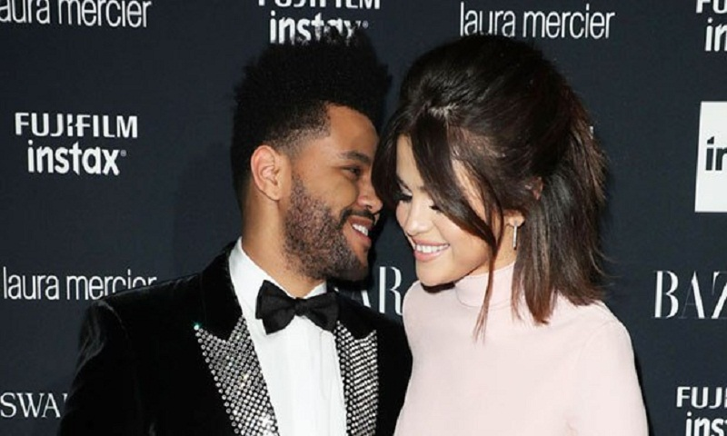 Selena Gomez likes picture of The Weeknd after Justin Bieber reunion and fans are torn