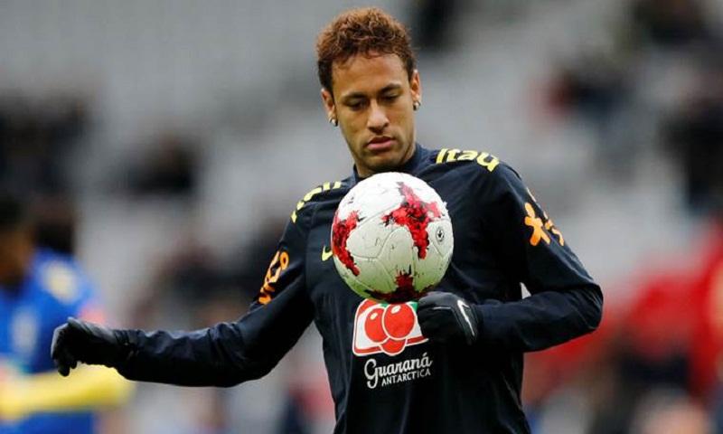 Tearful Neymar denies problems at PSG