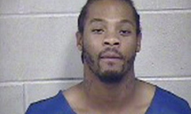 Suspect's farts makes police stop interview in Kansas