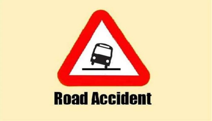 Road accidents take 4 lives in 2 districts