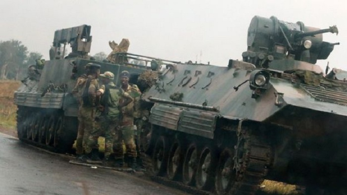 Soldiers 'take over Zimbabwe broadcaster'